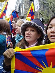 Lynne Featherstone with Tibet protestors