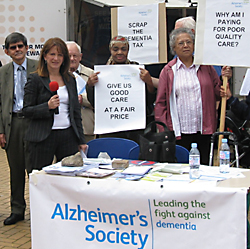 Lynne Featherstone with Alzheimer's Society, Wood Green