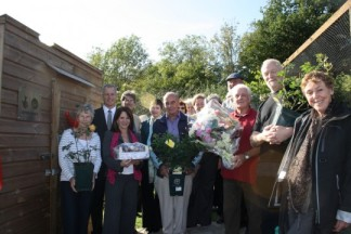 Lynne Featherstone MP previously visiting Alexandra Palace Allotment to support lottery winning project.