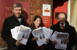 Lynne Featherstone MP, Cllr Richard Wilson and Cllr David Schmitz outside Hornsey Sorting Office with petition slips.