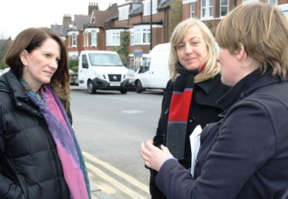 Lynne Featherstone MP discusses the safety issues at the Junction with local CrossSafeN10 campaigners