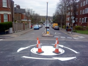 Wrong way roundabout - Stapleton Hall Road, Stroud Green