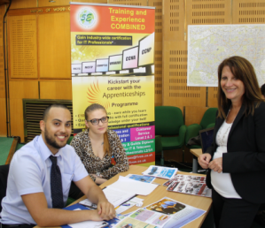 Lynne Featherstone MP and local organisation 5e at the apprenticeship event